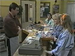 Des Clarke, Sharon Davies, Bronwyn Davies in Neighbours Episode 0998