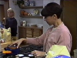 Helen Daniels, Hilary Robinson in Neighbours Episode 0999