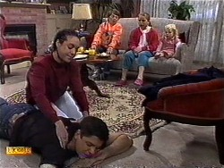 Kerry Bishop, Joe Mangel, Toby Mangel, Katie Landers, Sky Mangel in Neighbours Episode 0999