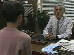 Hilary Robinson, Kenneth Muir in Neighbours Episode 1001