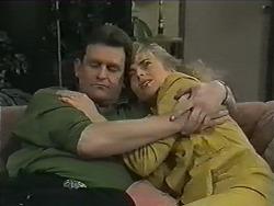 Des Clarke, Jane Harris in Neighbours Episode 1001