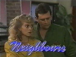 Jane Harris, Des Clarke in Neighbours Episode 1001
