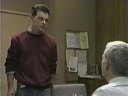 Matt Robinson, Kenneth Muir in Neighbours Episode 1002