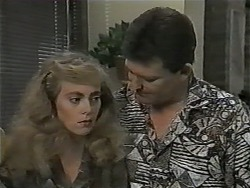 Jane Harris, Des Clarke in Neighbours Episode 1002