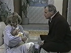 Beverly Marshall, Baby Rhys, Jim Robinson in Neighbours Episode 1079
