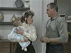 Baby Rhys, Beverly Marshall, Jim Robinson in Neighbours Episode 1079