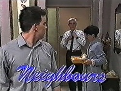 Matt Robinson, Kenneth Muir, Hilary Robinson in Neighbours Episode 1080
