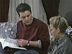 Matt Robinson, Bronwyn Davies in Neighbours Episode 1082