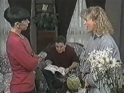 Hilary Robinson, Matt Robinson, Sharon Davies in Neighbours Episode 1083