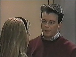 Bronwyn Davies, Matt Robinson in Neighbours Episode 1083
