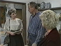 Beverly Marshall, Jim Robinson, Helen Daniels in Neighbours Episode 1087