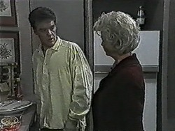 Paul Robinson, Helen Daniels in Neighbours Episode 1087
