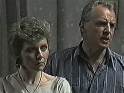 Beverly Marshall, Jim Robinson in Neighbours Episode 1087