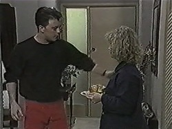 Matt Robinson, Sharon Davies in Neighbours Episode 1088