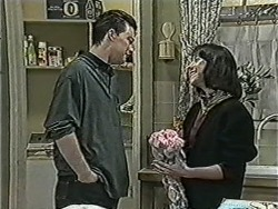 Matt Robinson, Kerry Bishop in Neighbours Episode 1088