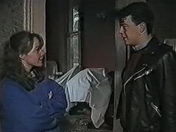 Lee Maloney, Matt Robinson in Neighbours Episode 1089