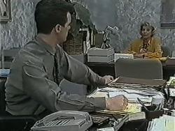 Paul Robinson, Helen Daniels in Neighbours Episode 1089