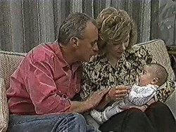 Jim Robinson, Beverly Marshall, Baby Rhys in Neighbours Episode 1092