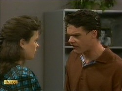 Lucy Robinson, Paul Robinson in Neighbours Episode 1093