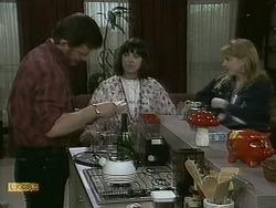 Des Clarke, Kerry Bishop, Melanie Pearson in Neighbours Episode 1097