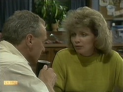 Jim Robinson, Beverly Marshall in Neighbours Episode 1097