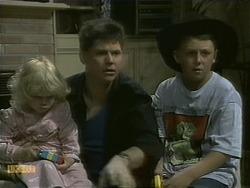 Sky Mangel, Joe Mangel, Toby Mangel in Neighbours Episode 1101