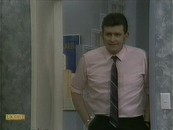 Des Clarke in Neighbours Episode 1102