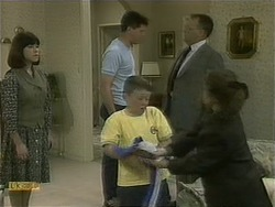 Kerry Bishop, Joe Mangel, Toby Mangel, Harold Bishop, Lochy McLachlan in Neighbours Episode 1102