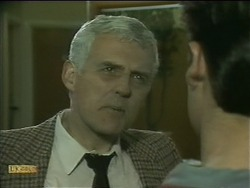 Kenneth Muir, Mike Young in Neighbours Episode 1105