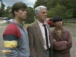 Mike Young, Kenneth Muir, Hilary Robinson in Neighbours Episode 1106