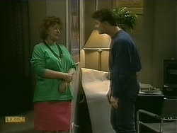 Gloria Lewis, Paul Robinson in Neighbours Episode 1107