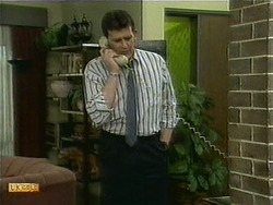 Des Clarke in Neighbours Episode 1107