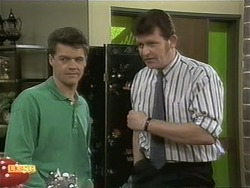 Paul Robinson, Des Clarke in Neighbours Episode 1111
