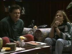 Matt Robinson, Lee Maloney in Neighbours Episode 1112