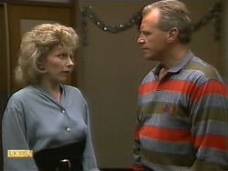 Beverly Robinson, Jim Robinson in Neighbours Episode 1112