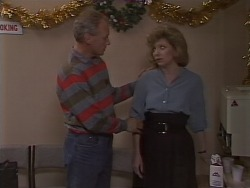 Jim Robinson, Beverly Marshall in Neighbours Episode 1113