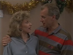 Beverly Robinson, Jim Robinson in Neighbours Episode 1113