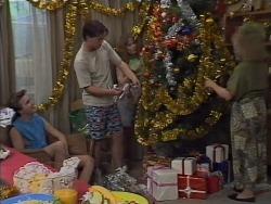 Nick Page, Matt Robinson, Lee Maloney, Sharon Davies in Neighbours Episode 1113