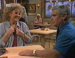 Cheryl Stark, Lou Carpenter in Neighbours Episode 2081