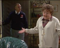 Harold Bishop, Marlene Kratz in Neighbours Episode 2733