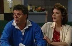 Joe Scully, Lyn Scully in Neighbours Episode 3933
