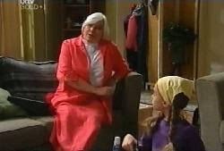 Rosie Hoyland, Summer Hoyland in Neighbours Episode 4105