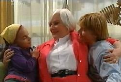 Summer Hoyland, Rosie, Boyd Hoyland in Neighbours Episode 4105
