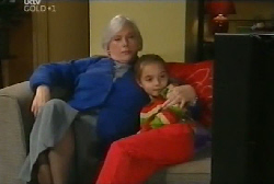 Rosie Hoyland, Summer Hoyland in Neighbours Episode 4109