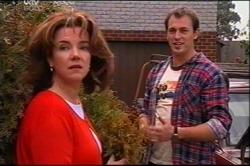 Lyn Scully, Stuart Parker in Neighbours Episode 4401