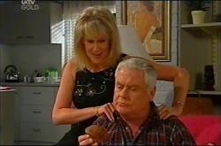Trixie Tucker, Lou Carpenter in Neighbours Episode 4401