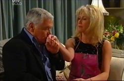 Lou Carpenter, Trixie Tucker in Neighbours Episode 4402