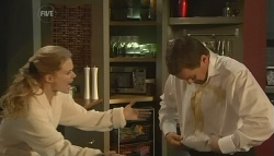 Elle Robinson, Paul Robinson in Neighbours Episode 5761