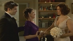 Declan Napier, Susan Kennedy, Rebecca Napier in Neighbours Episode 5761
