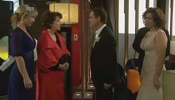 Steph Scully, Lyn Scully, Paul Robinson, Rebecca Napier in Neighbours Episode 5762